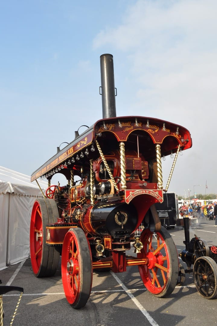 Fowler Showman's engine No. 17506 named 'LITTLE DAWN' Built in 1928