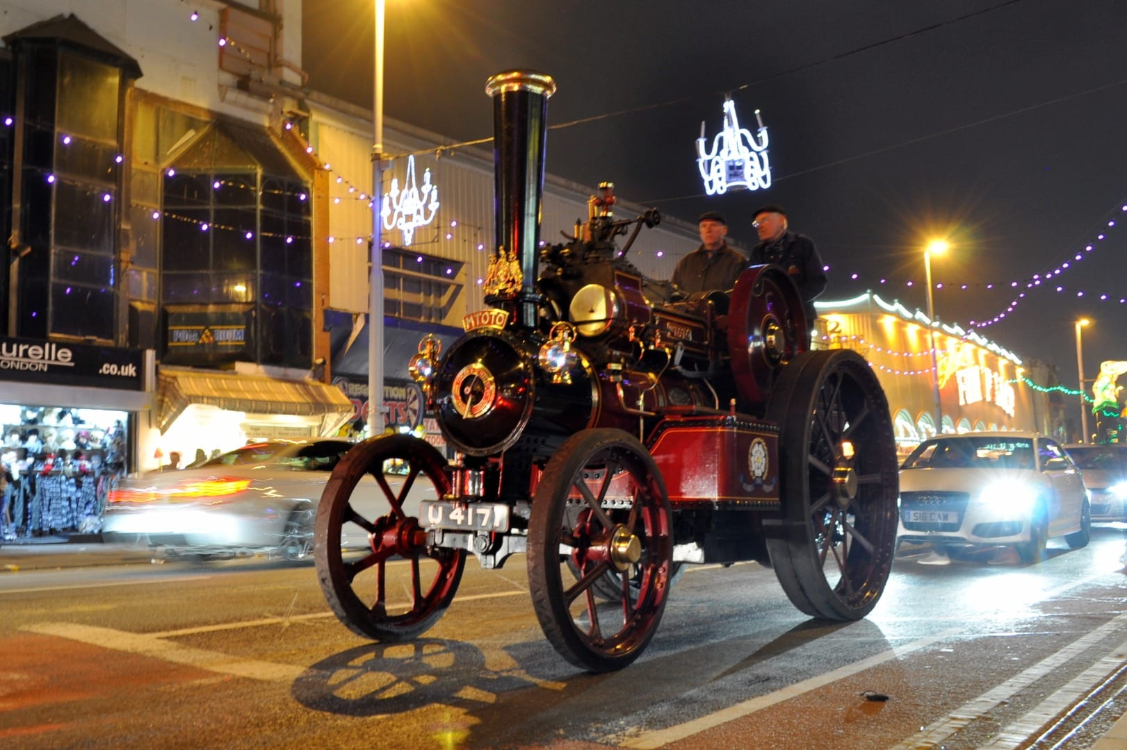Fowler traction engine named 'MTOTO' No. 14406 dating from 1917 competes with the promenade traffic on the Saturday evening 3rd October.