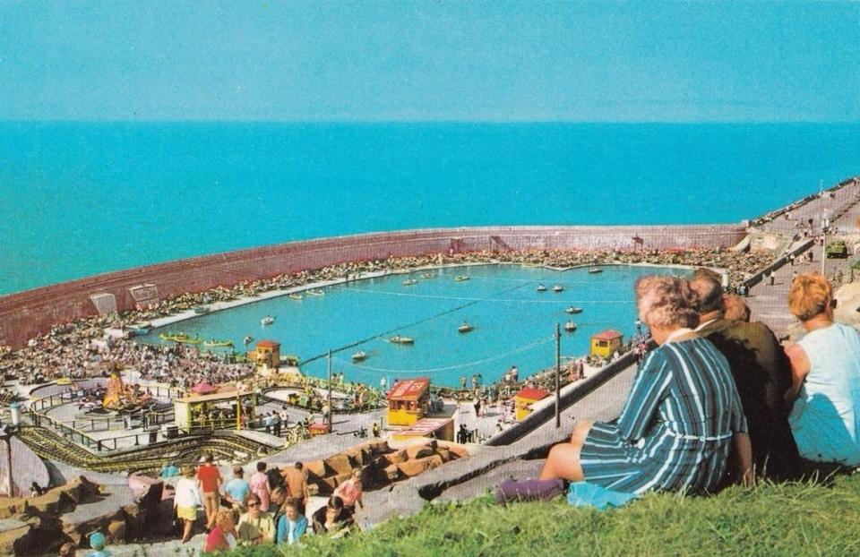 David Wall's favourite 1960's view of the Boating Pool, source unknown. Canoes and rowing boats on the left, motorboats on the right