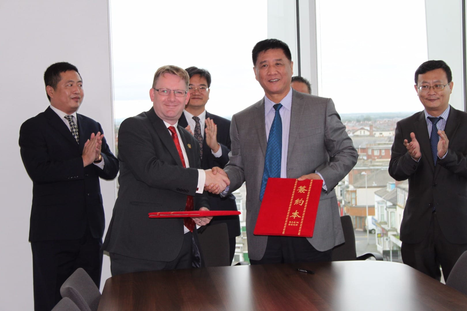 Blackpool signs the sister city agreement with Sanya